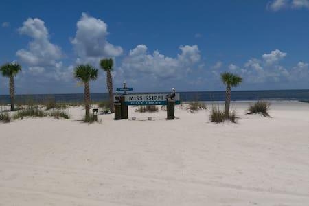Close to the Coast - Gulfport - Casa