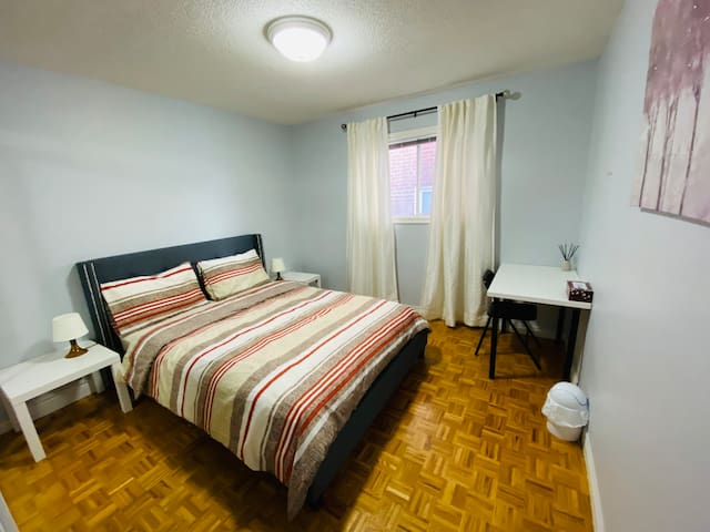 Comfy Private Bedroom Toronto