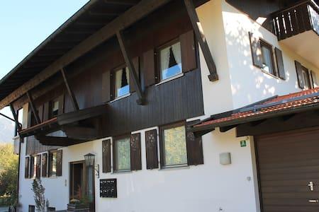 Wohnung mit großem Panoramabalkon - Marquartstein - Appartement
