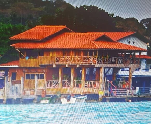 BEAUTIFUL BEACH HOUSE ON THE OCEAN - Isla Grande - Ház