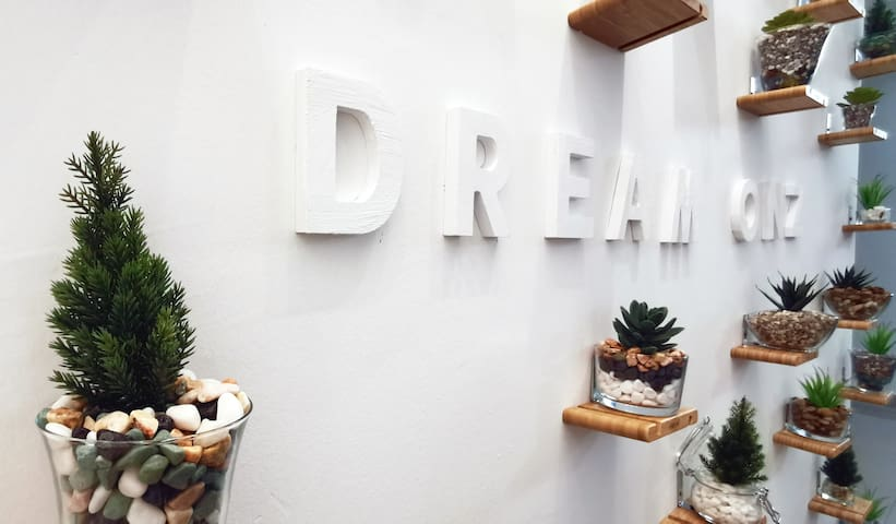 ❤️【DreamOnz+Netflix+SingK】up to 18paxs 〖Desaru〗❤️