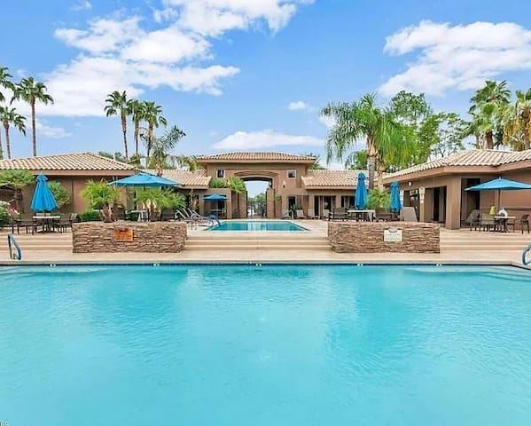 Scottsdale Condo near everything you want to do