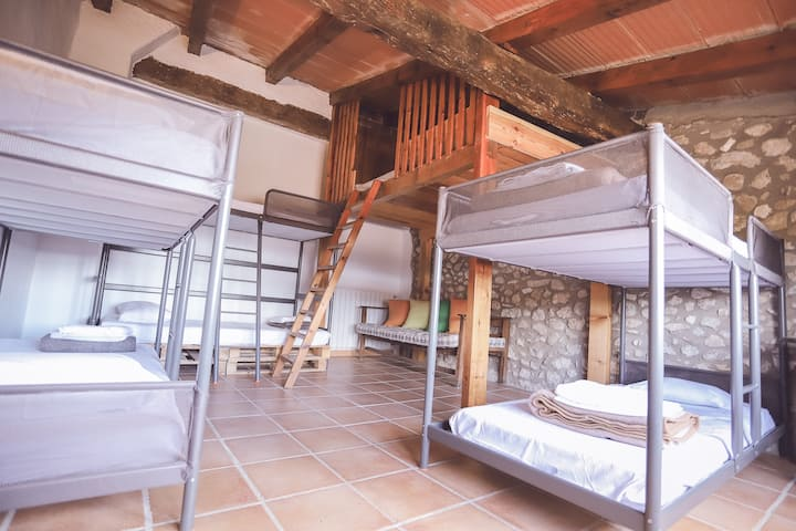 "Bedroom ""Girona"" with swimming-pool"