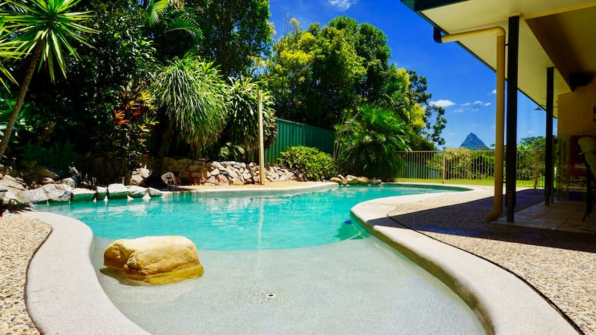 Personal Tropical Resort - Glasshouse Mountains - Glass House Mountains - Casa