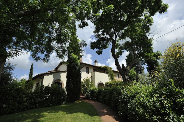 Tuscany HolidayHome 4/6, Boccherini - Montaione - Appartement