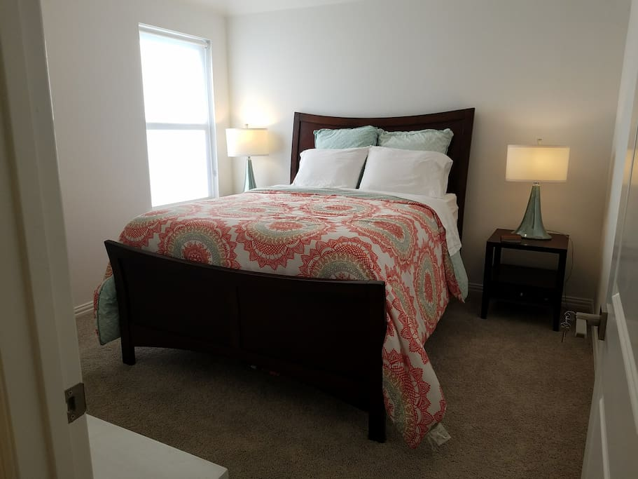 Comfortable, cozy queen room with walk-in closet. Climate control at your finger tips.