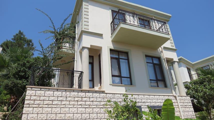 Villa Arykandos / KALKAN