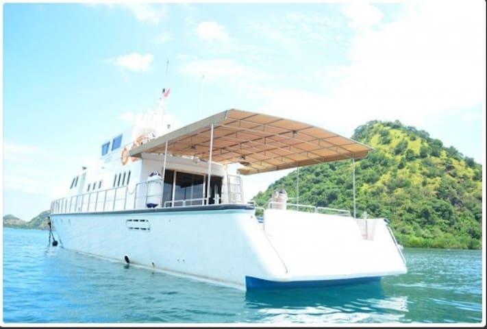Rangga Alo Private VIP Yacht - Komodo - Barco