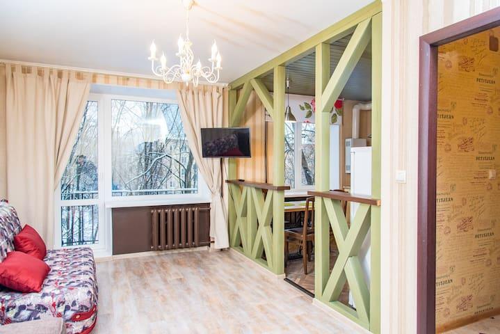 Уютная квартира у Невы - Санкт-Петербург - Apartament
