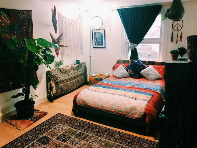 Large Bohemian Double Room in East London