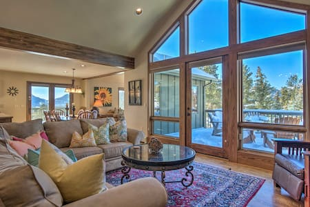 Luxury Mountain Home w/Views by National Park