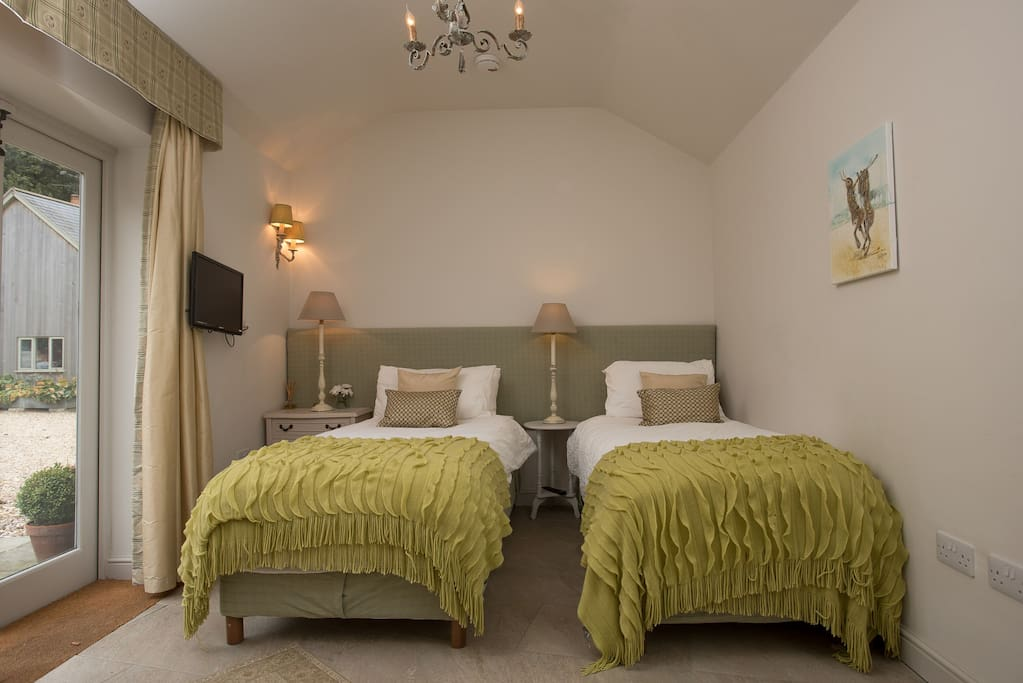 The Old Kennel - Twin room at Bridleway B&B