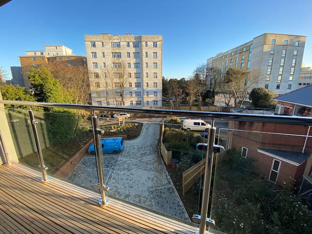 Beautiful beach &Sunny Apartment,Bournemouth BH1