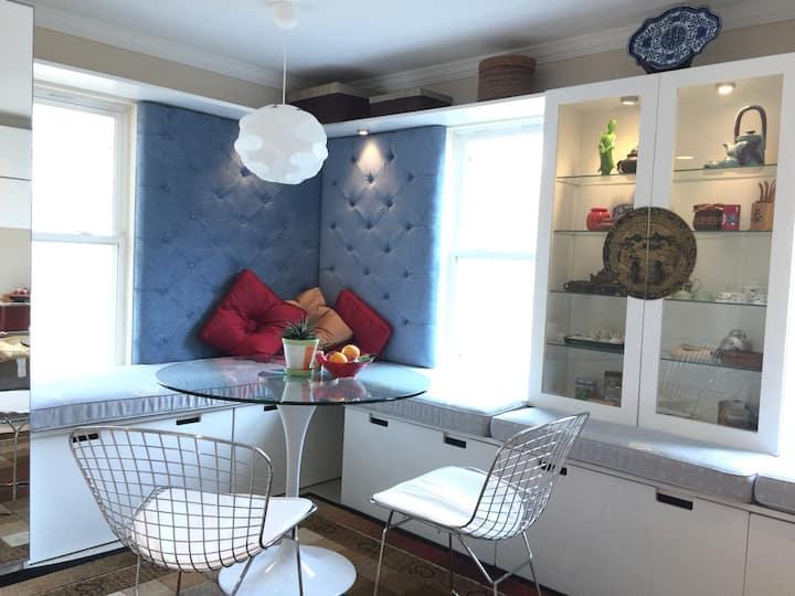Claire's tearoom / artist suite
