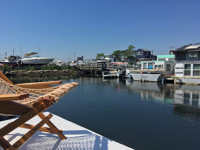 Rockaway Chic Houseboat Escape, Serene & Airy!