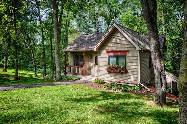 Cottage at Oak Glen