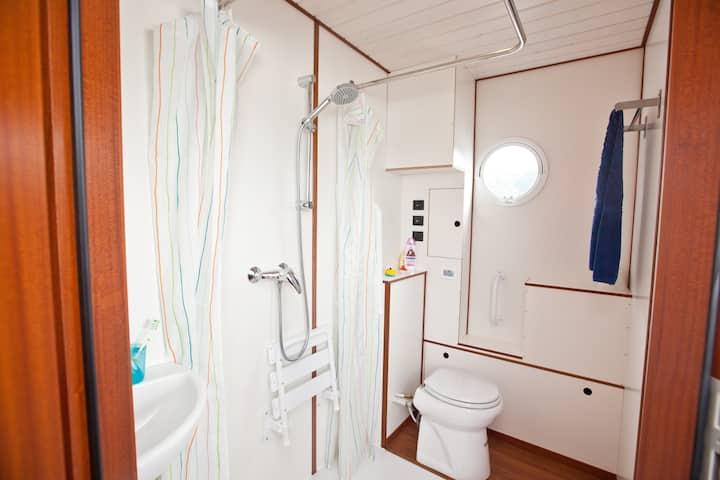 Barrierefreies Hausboot Febomobil 1180