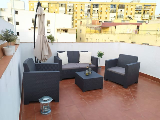 Splendid apartment with rooftop terraces in Triana