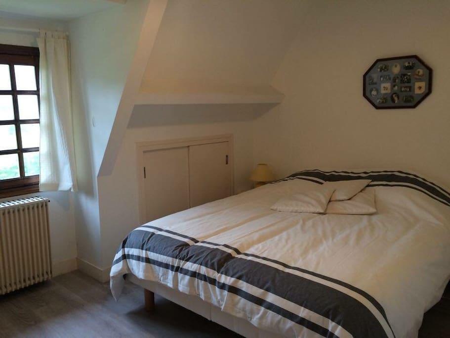 1ere chambre / 1st room