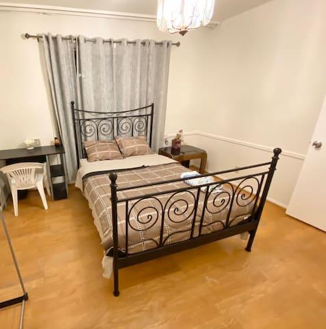 M6 - Serene Room near Atlantic Time Square