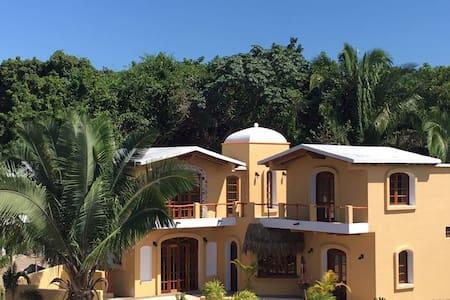 Casa de Leon-pool/WIFI