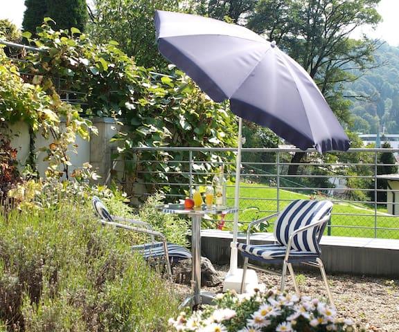 Sonnhalde*Mini-Apartment*kleiner Garten*Beste Lage