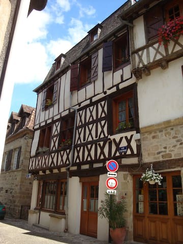 La Correze, Charming Beaulieu Apartment
