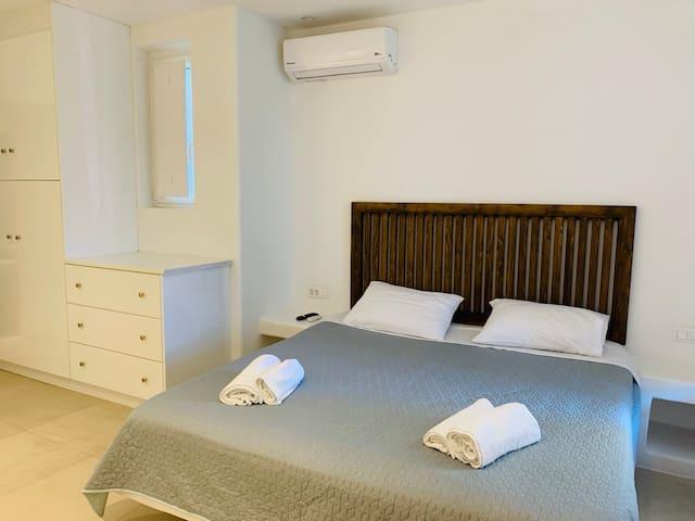"""Apartment Paraga Beach """"Scorpios Bay"""" N7"""