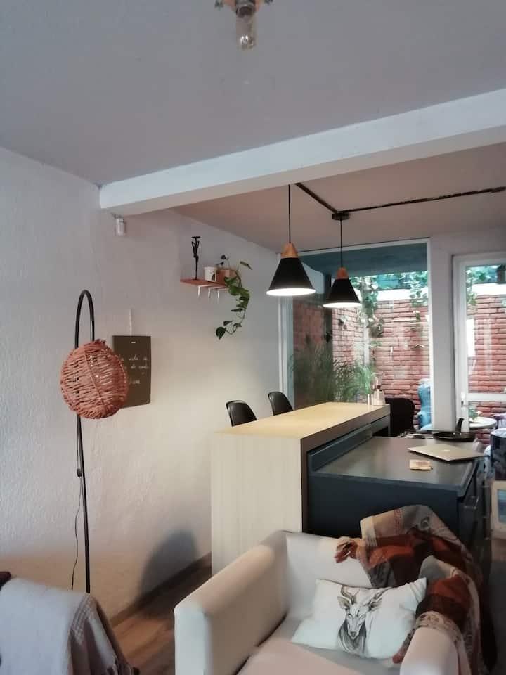 Casa acogedora para turistear o trabajar. Cholula