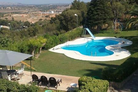 Chalet para 15 personas con espectaculares vistas - Chiva - Chalet