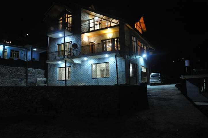 Cozy cottages in Kullu, Manali, Himachal Pradesh