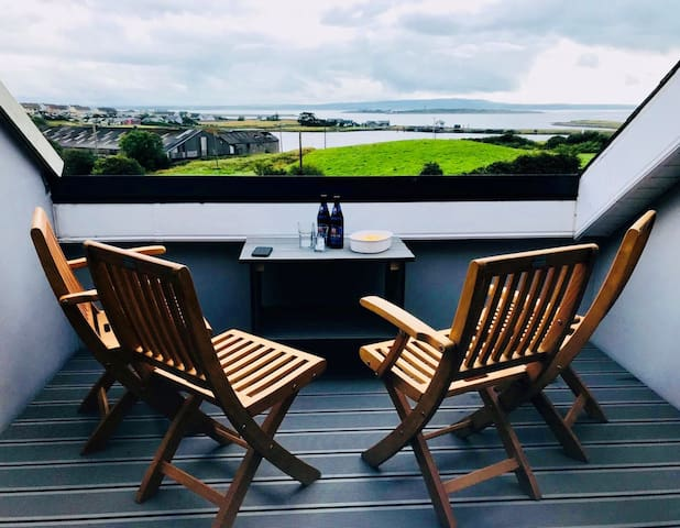 The roof terrace provides has the most amazing views of Scattery and the mouth of the Shannon.