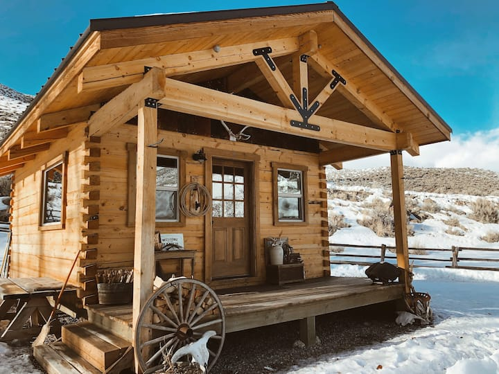 I Bar Ranch  One of a kind Off Grid Cabin