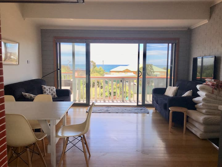Hebe House: views ✔️modern ✔️ close to beach ✔️WiFi ✔️