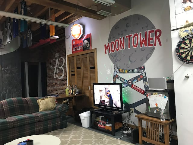 The Moontower Apartment