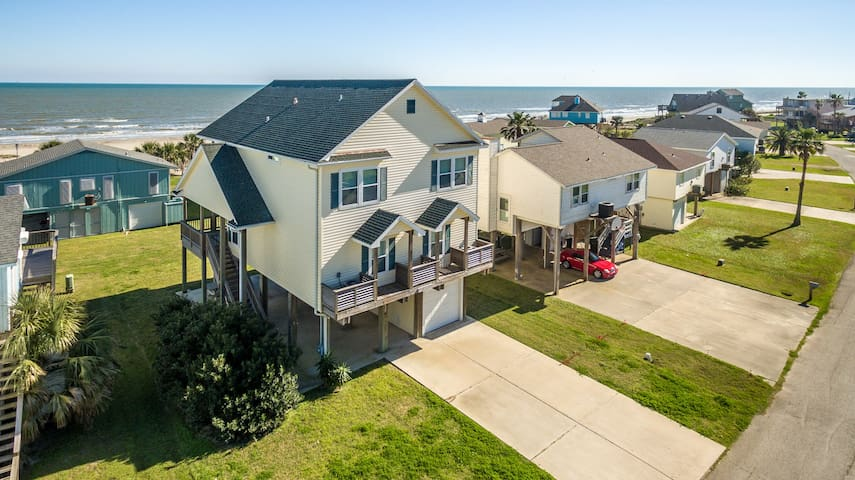Tan Camp, 3 night MINIMUM - Galveston - House