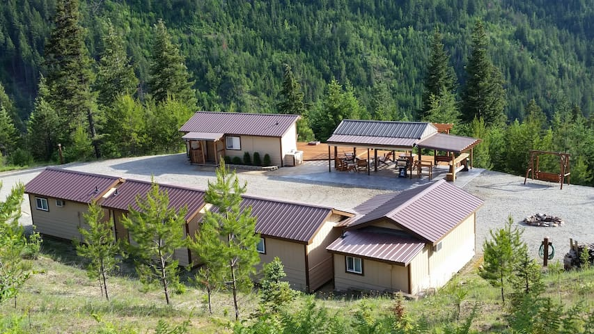 One-Of-A-Kind Cabin Complex