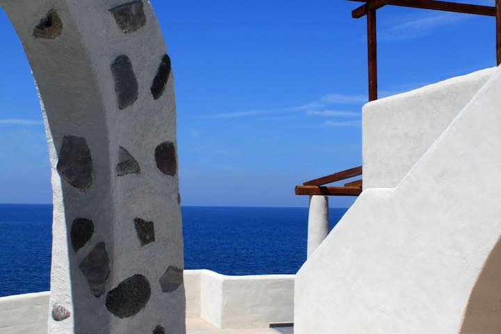 Beautiful apartment in residence with stunning sea views on Aeolian Islands