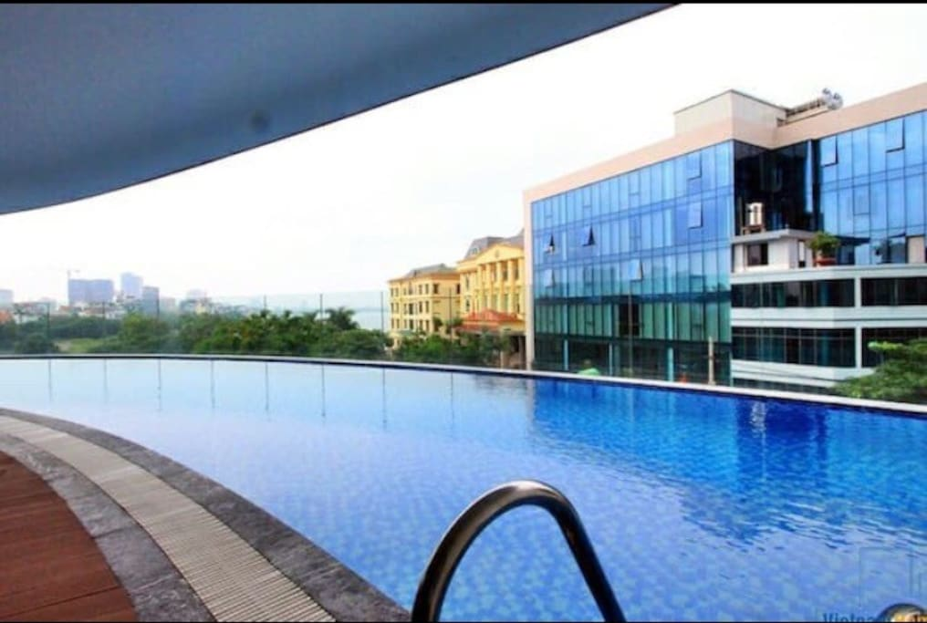 Swimming pool & Gym with view of Westlake and Hanoi