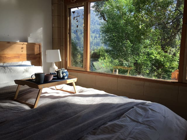 """Mountain View Studio"" Eco cabin"
