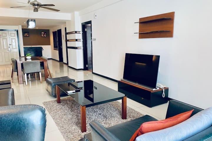 KK Seaview Apartment <7-8 pax>亚庇温馨海滨海景公寓套房>