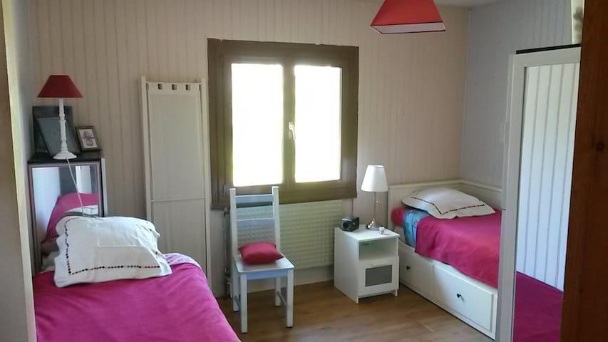chambre dans quartier calme - Libourne - Stadswoning