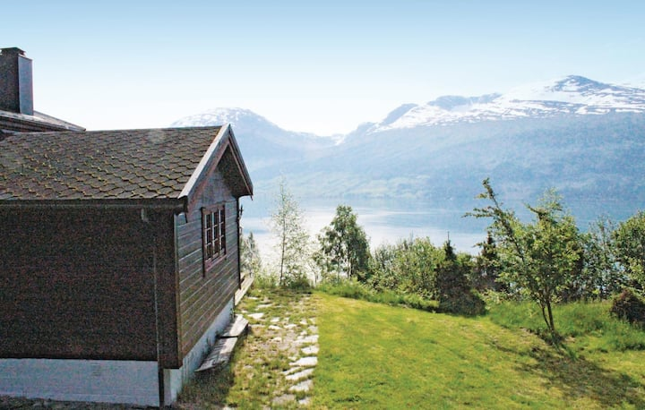 Holiday cottage with 4 bedrooms on 54m² in Blaksæter