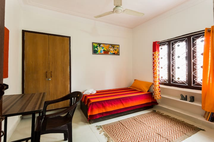 In Hauz Khas | Palm Terrace-Rose - New Delhi - House