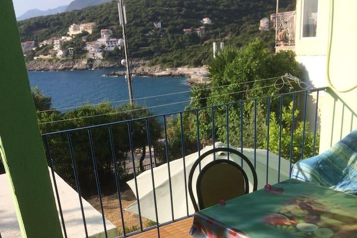 Green Villa Maria