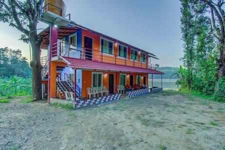 OYO - Lakeside Studio, Madapura, Coorg - Discounted ⚡