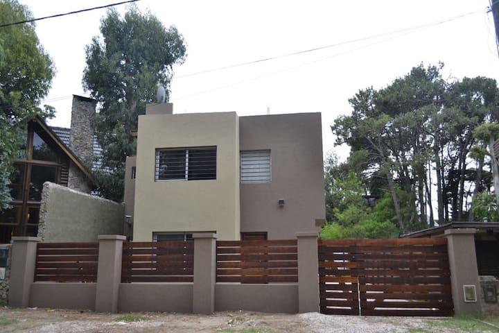 Complejo  Costa Brava,  cómodo y moderno  duplex.