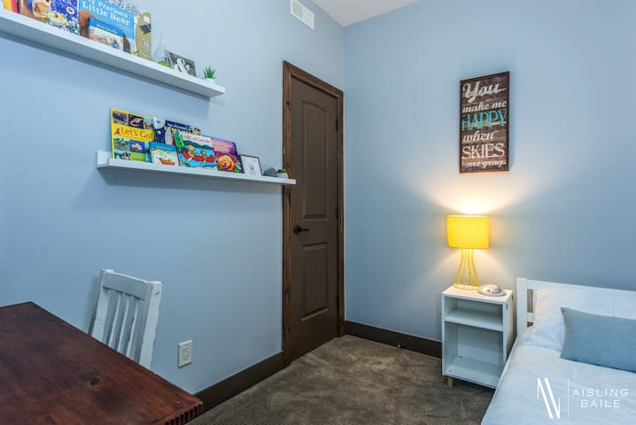 Third bedroom is made for toddlers and small children. They will love sleep overs here.