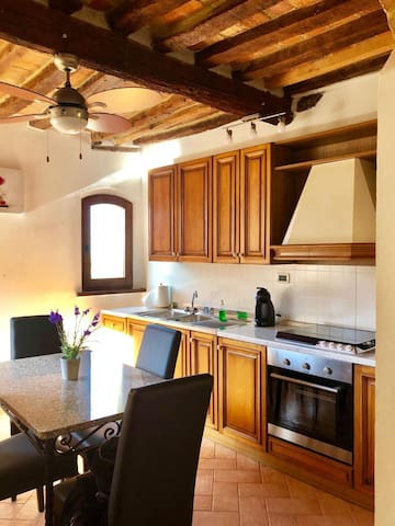 Bright 1 BR  Tuscan Apt. in Montepulciano with AC