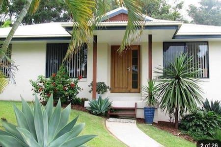 Coffs Harbour Studio own access in Tropical Garden